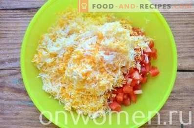 Тартути со сирење, домати и јајца