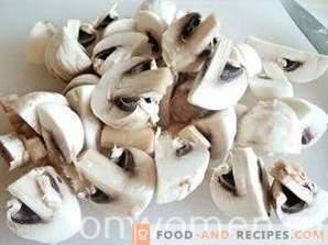 Пилешко филе со печурки во кисела павлака