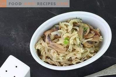 Тестенини со печурки во сос од павлака