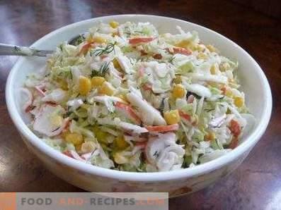 Салати со зелка со зелка и ракови