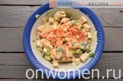 Пилешка, сливна и корејска салата од морков