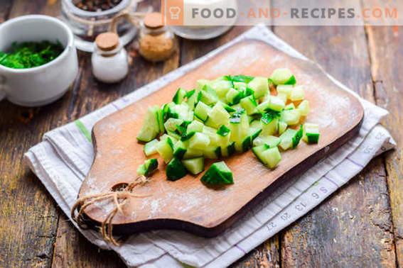 Малибу салата со пилешко, сирење и зеленчук. Обидете се со сигурност!