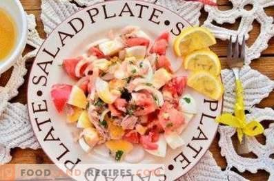 Салати со конзервирана туна