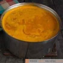 Деликатна супа од крем со школки