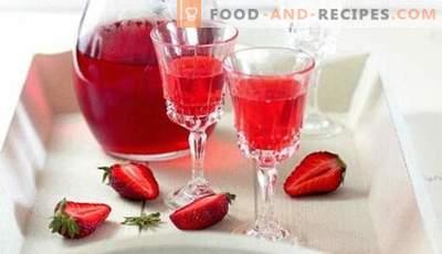 Вино од шумата и градинарството: одлики на подготовка. Како да се подготви едноставно и постаро вино од јагоди?